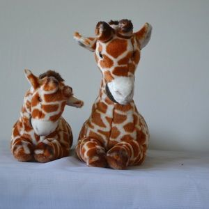 🦒 Set of two Yomiko classics plush Giraffes cute
